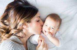 Развитие ребенка: 9-10 неделя (третий месяц)