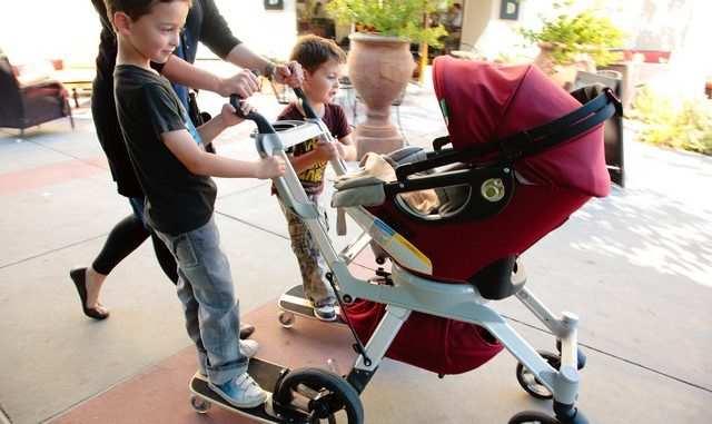 детская коляска для двоих