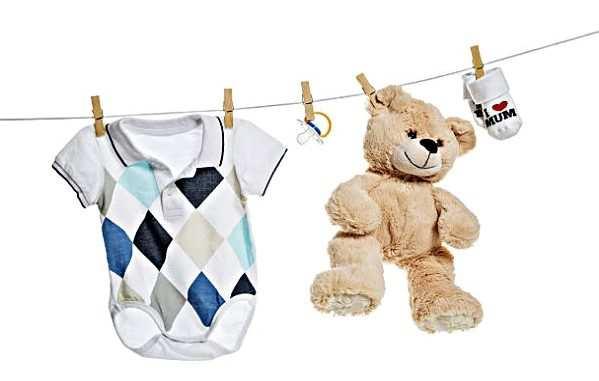 чем стирать одежду новорожденного