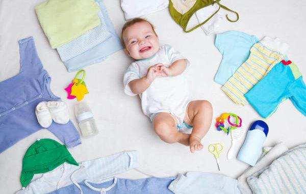 чем стирать одежду малыша