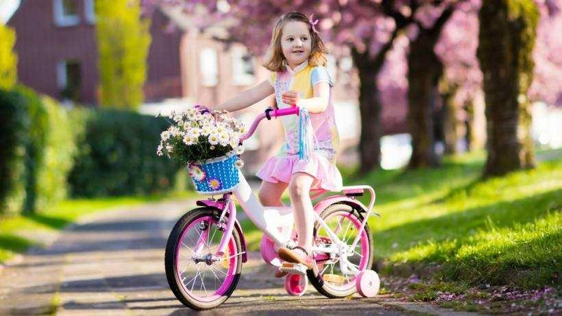 первый велосипед для ребенка