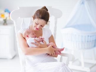 выдавливание ребенка при родах