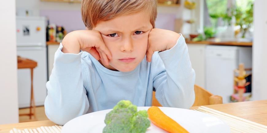 как заставить ребенка есть овощи