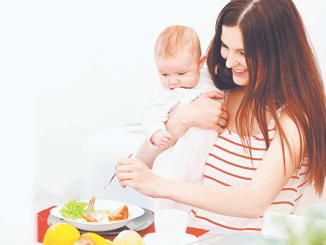 Диета при грудном вскармливании основана на исключении аллергенных продуктов.
