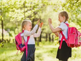 Дети могут оказать значительную помощь своим родителям, особенно, когда их несколько в семье.