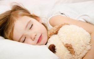 Дети спят лучше, когда родители вовремя ложатся спать.