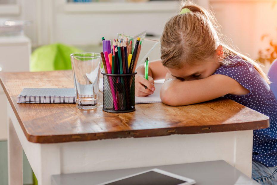 Ребенок устал от школы, отказывается ее посещать.