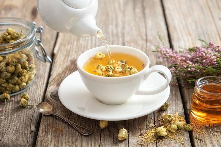 Чай для детей первого года жизни: когда можно и какие сорта выбрать